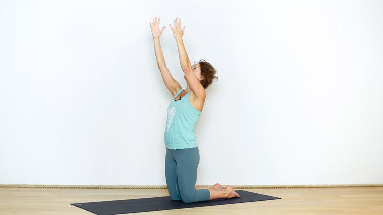 Séance courte du lundi matin | Cours de yoga en ligne avec Delphine Denis | Hatha yoga