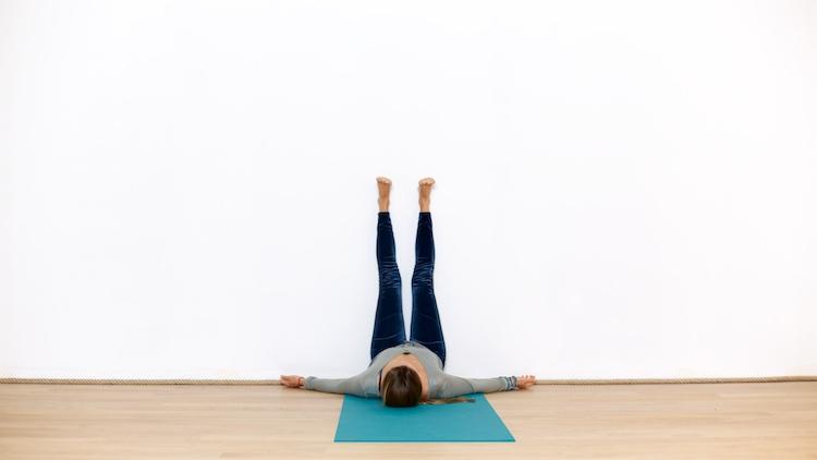 Pause Yin de 10 minutes | Cours de yoga en ligne avec Delphine Martin-Michaud | Yin yoga